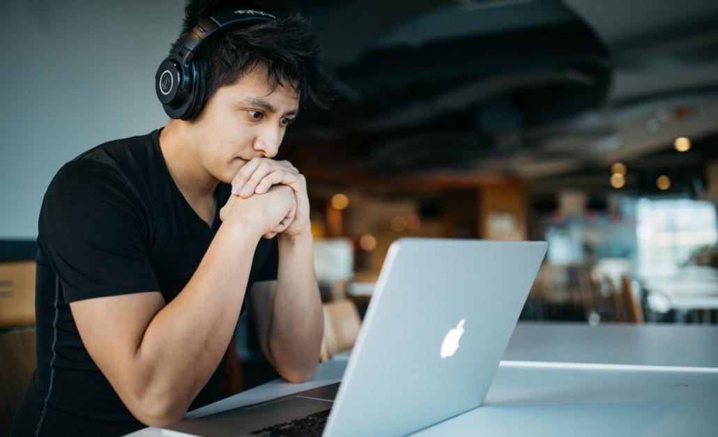 e-learning-1030x627 9 najczęściej zadawanych pytań dotyczących e-learningu i platformy Spoti